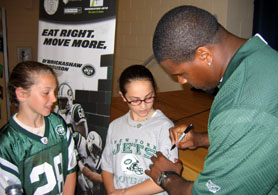 Photo of Jets football player Adrien Clarke at Brielle Elementary School - Click to enlarge