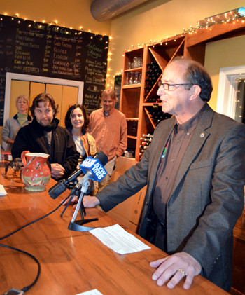 Photo of Secretary Fisher's press conference at Auburn Road Vineyards