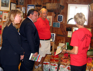 Photo of Susan Payne, Governor Christie and Gary and Pam Mount