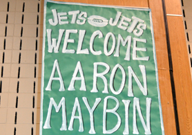 Photo of a poster welcoming NY Jets player Aaron Maybin - Click to enlarge