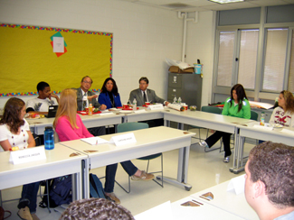 Photo of the roundtable discussion