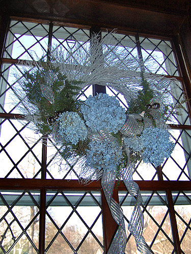 "Library - ""Peace shines through the holiday"" by the Hunterdon Hills Garden Club"
